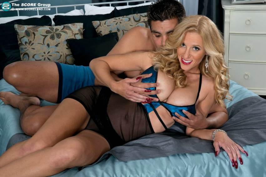 Pantyhose Porn Online